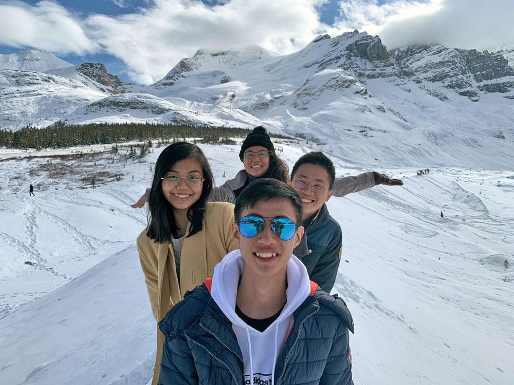 Shao Yuan Chong and friends